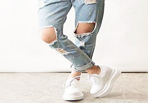 厚底松糕鞋配牛仔裤