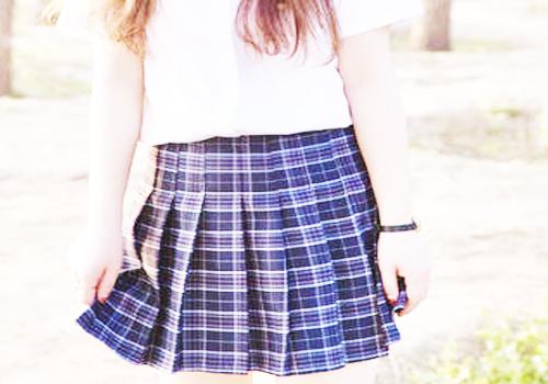 搭配格子短裙