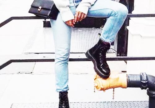 马丁靴搭配牛仔裤