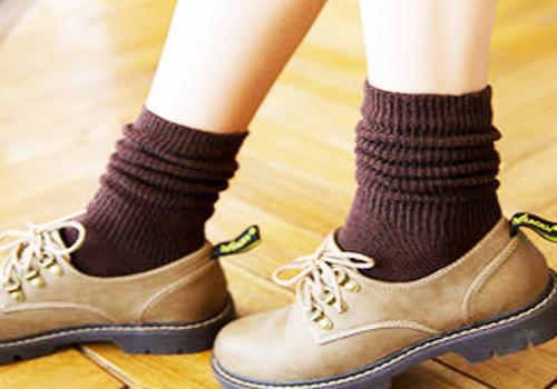 搭配小皮鞋